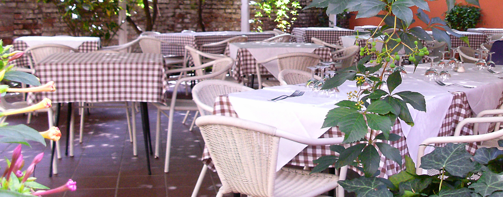 trattoria ristorante con giardino a Ferrara